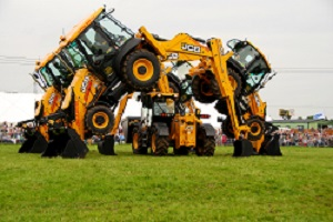Dancing Diggers take Centre Stage at Moreton Show - 15.08.2017