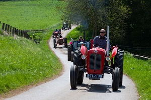 Record Turnout for Bluebell Run as Tractors Raise Cash for Cancer Research - 14.05.2018